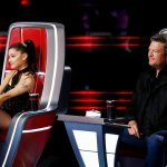 Ariana Grande shares text messages from Blake Shelton joking she'll replace him on 'The Voice' 💥👩💥