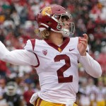 USC football team has scare while deplaning before Washington State game 💥💥