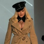 Madonna's MTV VMAs show opening ensemble goes viral during surprise appearance 💥👩💥