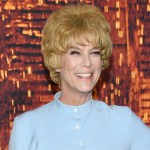 'Halloween Kills' star Jamie Lee Curtis channels mother Janet Leigh at premiere by wearing 'Psycho' costume💥👩💥💥👩💥