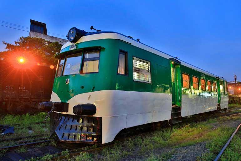 Ti-Rail-car-