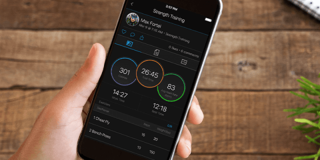 See your stats, and track your goals in the Garmin Connect™ app