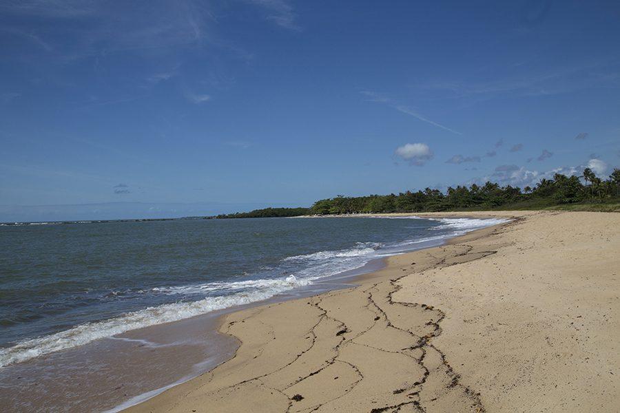 Vista da praia de Santo André, onde o hotel tem acesso direto