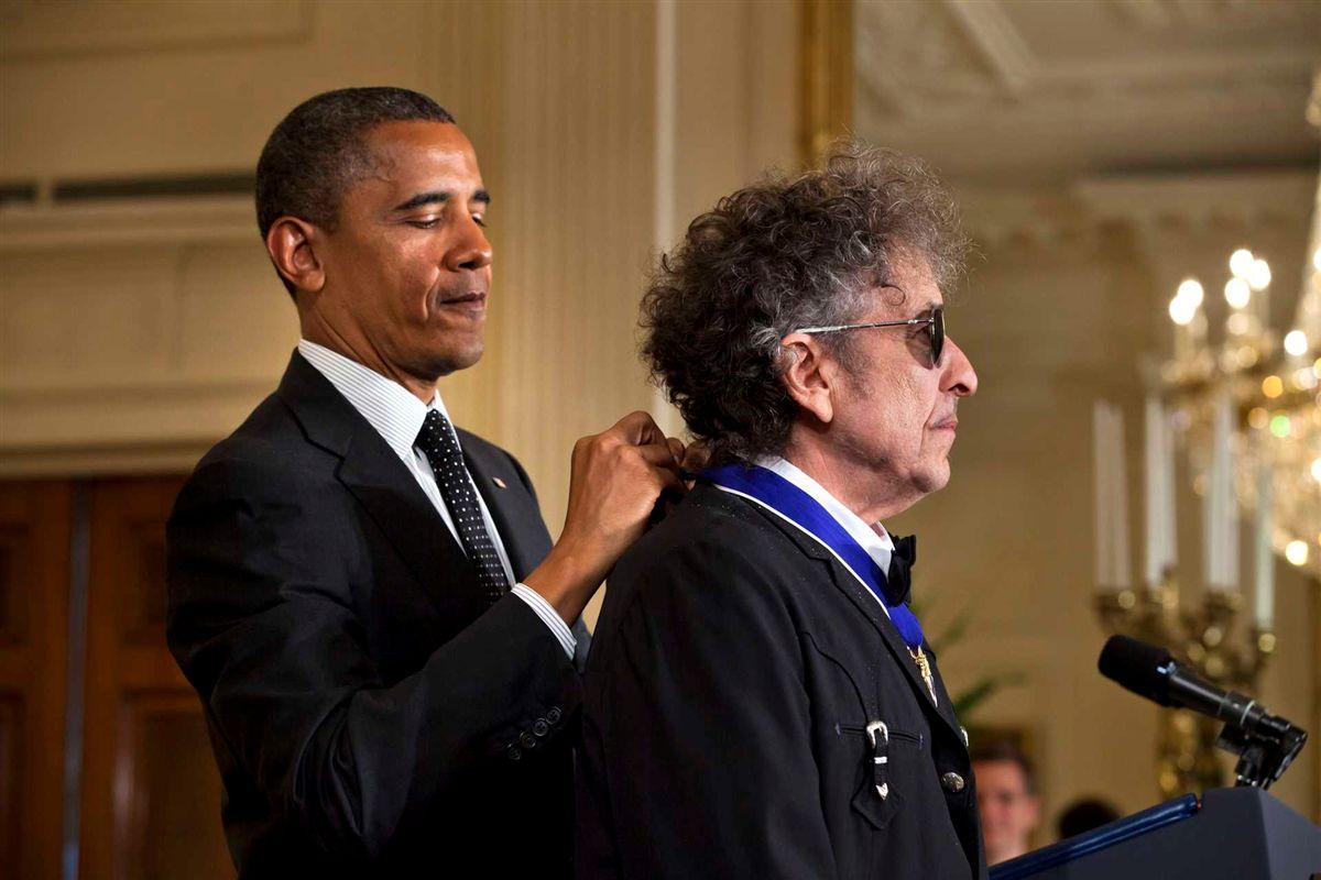 Resultado de imagem para anúncio Nobel Dylan
