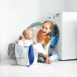 Lo que no debes hacer al lavar la ropa de tu bebé