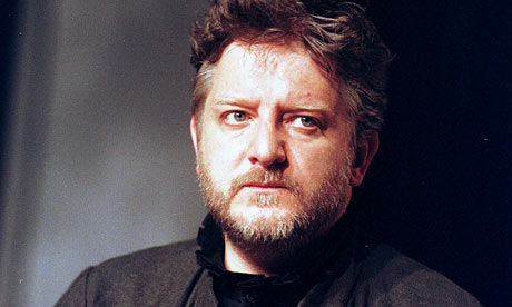 Simon Russell Beale as Hamlet at the Lyttelton in 2000