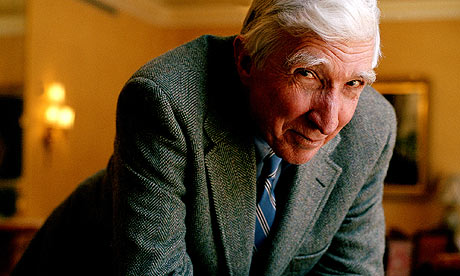 John Updike in unimmagine di Eamonn McCabe/ del Guardian