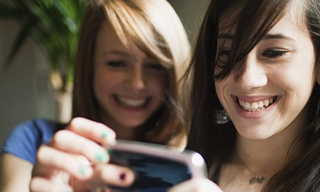 Two-teenage-girls-using-s-009.jpg