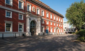 Goldsmiths, University of London, has launched a 10,000 pound literary prize - peoplewhowrite