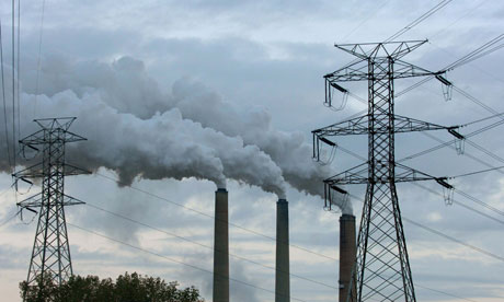 Pollution due to carbon emissions due to rise says IEA : Coal burning power plant, Kentucky, USA