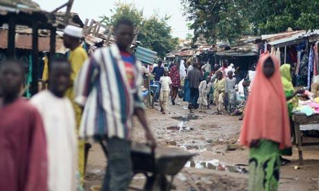 MDG : Nigeria Infrastructures : Nigerian people walking in the street of Bauchi, Nigeria