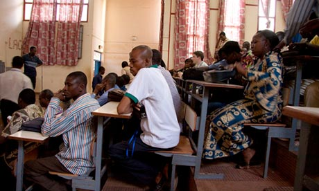 MDG : Burkina Faso : Students listen during a ecture at the University of Ouagadougou