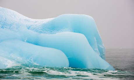 Extreme weather in 2013 : An iceberg from a glacier in northern Svalbard