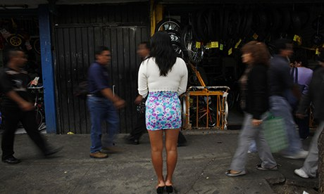 MDG : A sex worker waits for clients in downtown Mexico City