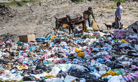 MDG : Landfill in Tunisia : Dumping garbage in Le Kef