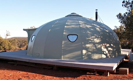 Off-grid living: a dome home in the US