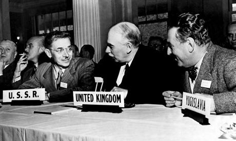 John Maynard Keynes en 1944 en la Conferencia de la ONU Monetario Internacional en Bretton Woods, Nueva Hampshire