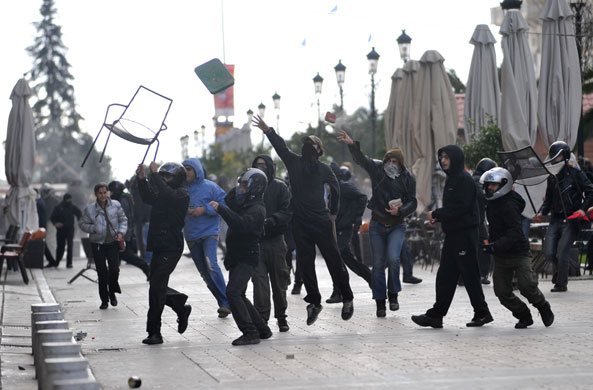 https://i2.wp.com/static.guim.co.uk/sys-images/Guardian/Pix/pictures/2008/12/8/1228730184135/Gallery-Riots-in-Athens-P-004.jpg