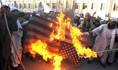 Demonstrators in Quetta set US flag on fire