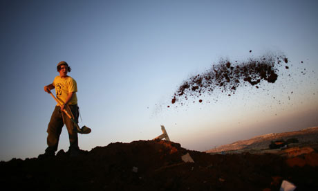 Jewish Settlers Continue To Occupy Unauthorized West Bank Outposts