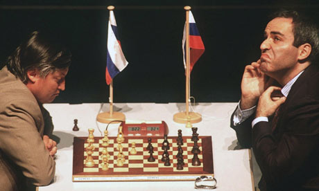 https://i2.wp.com/static.guim.co.uk/sys-images/Guardian/Pix/pictures/2009/9/21/1253540225224/Kasparov-V-Karpov-Frankfu-003.jpg