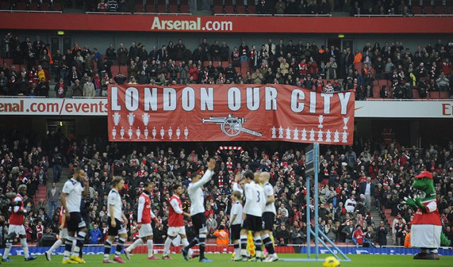 https://i2.wp.com/static.guim.co.uk/sys-images/Guardian/Pix/pictures/2010/11/20/1290290750021/Arsenal-fans-unfurl-a-ban-001.jpg?resize=640%2C377