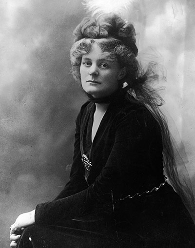 https://i2.wp.com/static.guim.co.uk/sys-images/Guardian/Pix/pictures/2011/1/21/1295610650911/Portrait-Of-Maud-Gonne-Mc-005.jpg