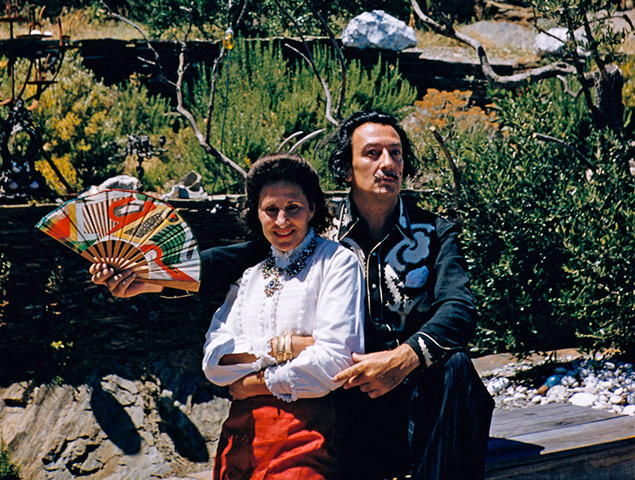 https://i2.wp.com/static.guim.co.uk/sys-images/Guardian/Pix/pictures/2011/1/21/1295610655612/Salvador-Dali-and-His-Wif-009.jpg