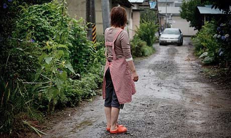 タカノ・マサミさんの母親は450km離れた滋賀県に息子が避難するのを見送った。「僕は逃げます。」と、マサミさんは言った。写真:ジェレミー・スーテイラト( Jeremie Souteyrat)