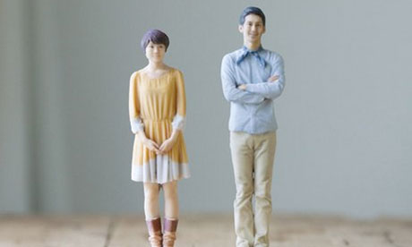 the plastic figurines produced by Omote3D