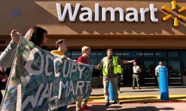 Demonstrators Picket Wal-Mart in Los Angeles