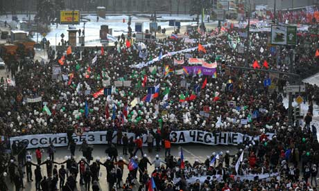 Anti-Putin protesters march in Moscow