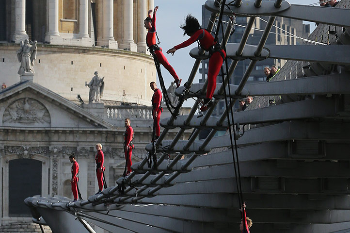 Streb Dance London: Dancers bungee off the Millennium Bridge