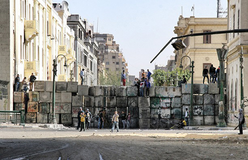 Wall blocking a road into Tahrir square, Cairo