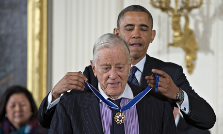 Barack Obama awards Ben Bradlee the presidential medal of freedom