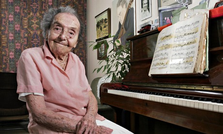 Alice Herz-Sommer a concentration camp survivor at 106 full of life