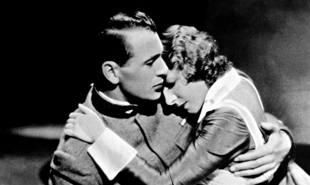 Gary Cooper and Helen Hayes in the 1932 A Farewell to Arms movie.
