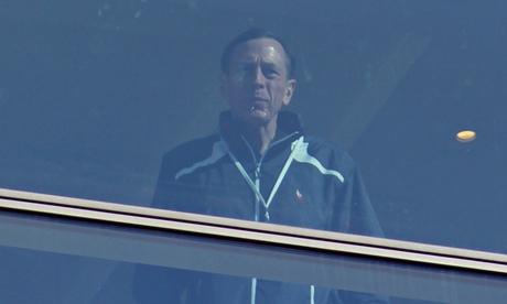 Bilderberg - Petraeus at window