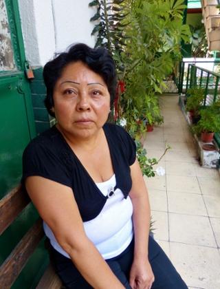 Carolina Hernández apenas ya puede hablar el otomí, despues de años de insultos que le provocaron avergonzarse de pronunciar una sola palabra.