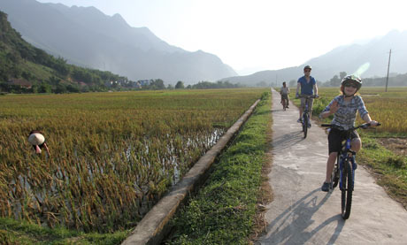 Cycling in the Mai Chau valley