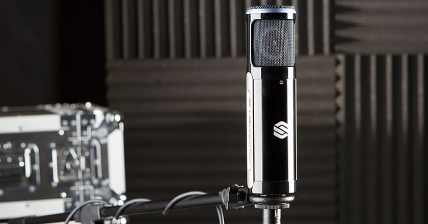 Sterling ST151 Microphone on Mic Stand