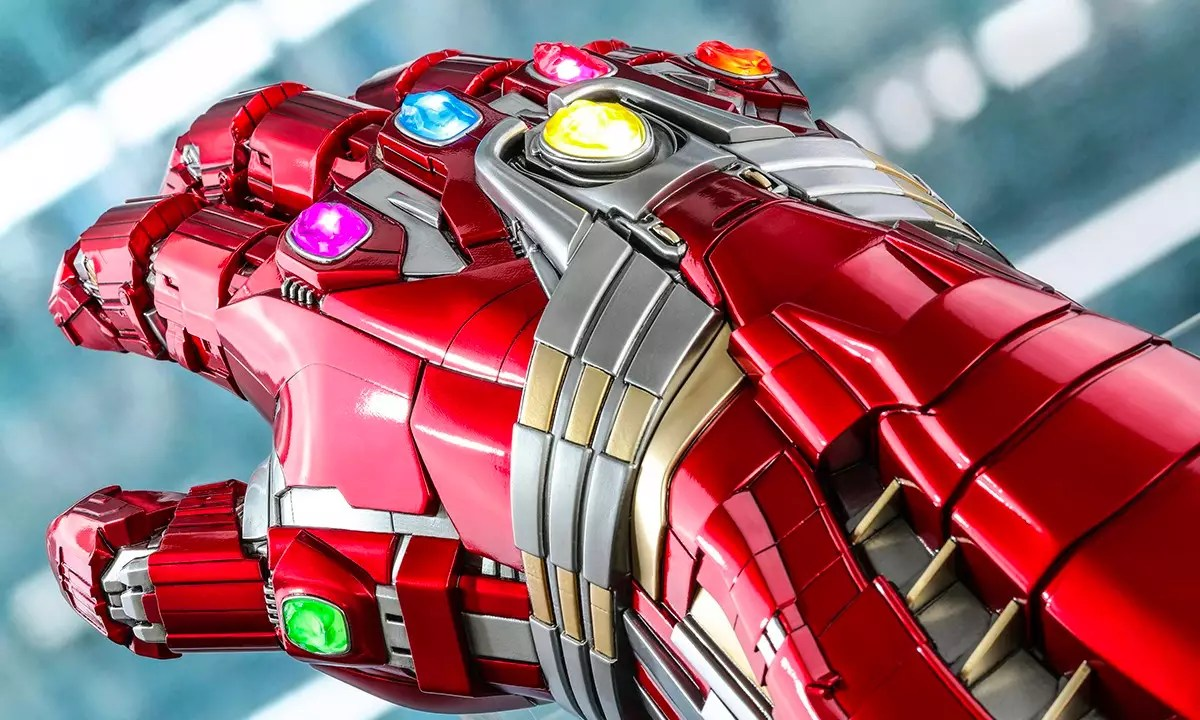 Hot Toys Reveals Hulk Nano Gauntlet Amp It S Absolutely Massive
