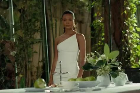 Thandie Newton in Westworld seizoen 3 recensie op Telenet Play More
