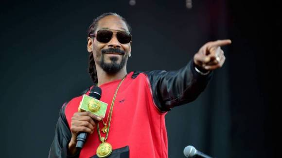 Snoop Dogg Lays Into 'Racist' Donald Trump: 'He's Disrespecting Every Color In The World'