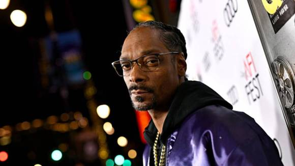 Snoop Dogg's 'Drop It Like It's Hot' Becomes Anthem For Mail-In Voting