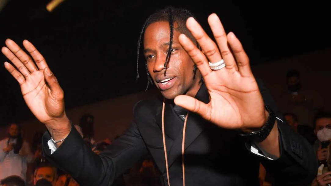 Travis Scott Gifts Rare Air Jordan 1 After Turning Down Fan Trying To Buy Them
