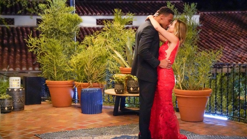 Bachelorette' Brings in New Lead in Post-Election Episode | Hollywood  Reporter