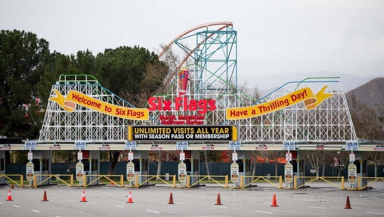 Six Flags Magic Mountain to Reopen April 1 | Hollywood Reporter