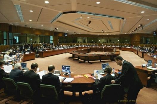 Consiliul UE aprobă noua directivă cu opoziție din partea agențiilor de turism