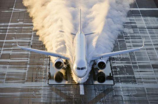 A321neo, test pe o suprafață inundată (Fotografie: Airbus. V. Ricco).